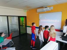 Održane karaoke u osnovnoj školi