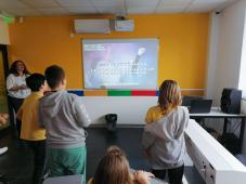 Karaoke žurka u Savremenoj školi