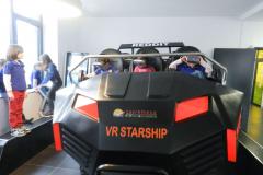 Deca se voze u VR Starshipu