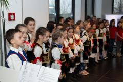 Deca recituju slavske pesme