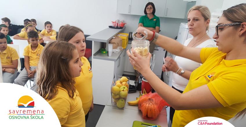 100% zdravo – Savremeni osnovci obeležili Svetski dan zdrave hrane