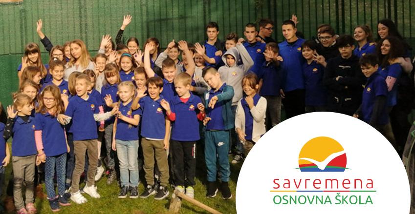 Eko-drugari: Osnovci i gimnazijalci zasadili zajedničko drvo u dvorištu Savremene