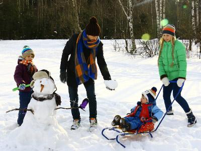 Grudvanje dece na zimskom raspustu