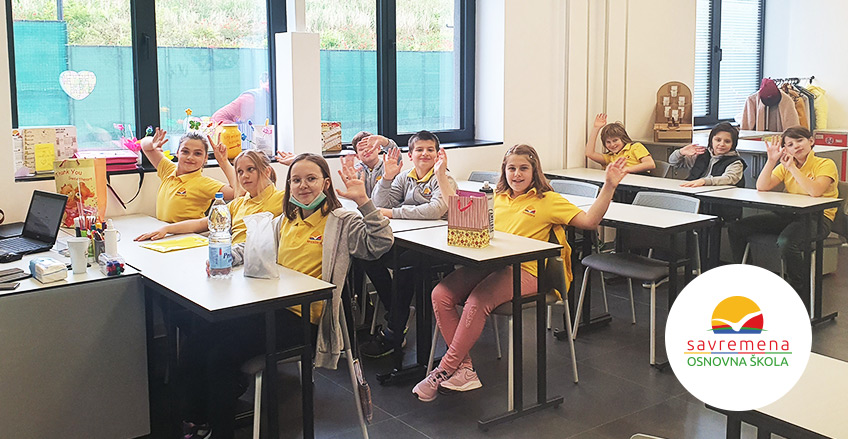 Povratak savremenih osnovaca u školu: Jedva smo čekali da vidimo drugare i učiteljicu!