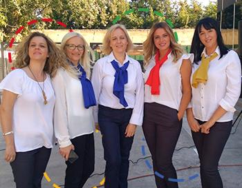 Savremeni nastavnici u uniformama